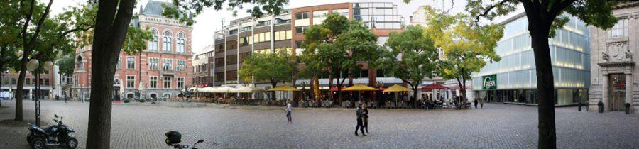 Blick über den Marktplatz vom Startpunkt des Hörganges aus gesehen.